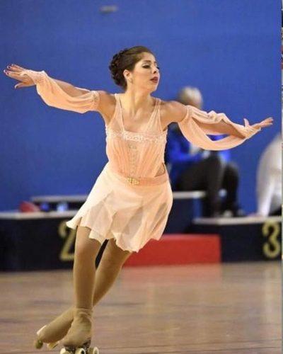Laila debuta en Mundial de patinaje artístico