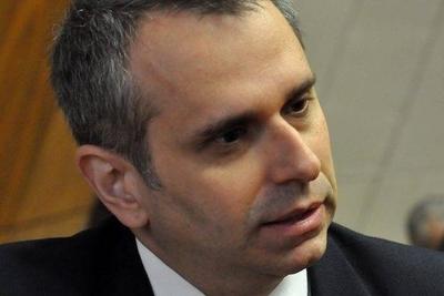 HOY / 1.600 'wasapeo hot' versus 'galanteo inocente': colegas de Kriskovich apoyan al acusado