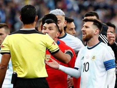 Las razones de la expulsión de Messi, segúnMario Díaz de Vivar