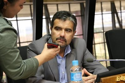 Paraguay está llegando al tope de su nivel de endeudamiento, advierte diputado liberal
