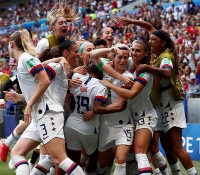 La selección femenina de fútbol de EE.UU. es la campeona del mundo