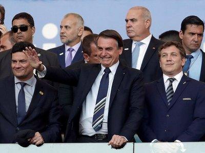 Viral gesto de Domínguez y Bolsonaro