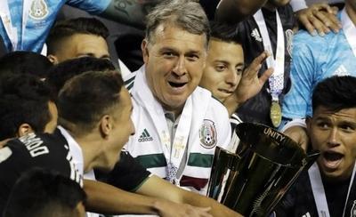 HOY / Tata Martino gana con México su primer título de selecciones
