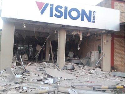 Heridos durante asalto a banco, con pronóstico reservado