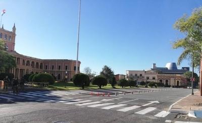 HOY / Habilitan circulación de vehículos livianos frente al Palacio