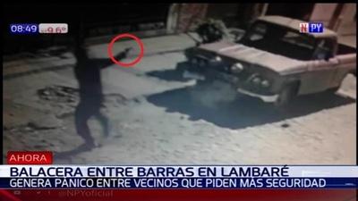 Barrasbravas se enfrentan a tiros en Lambaré
