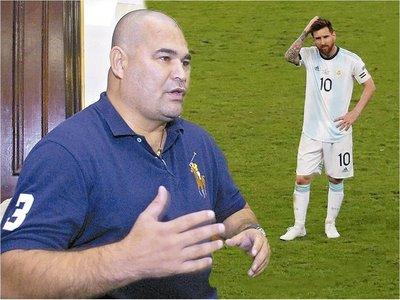 Chilavert defiende a Messi y refrenda la denuncia de corrupción