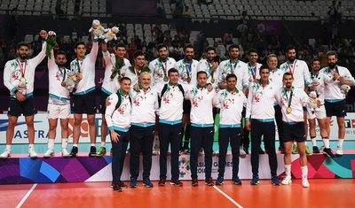 Irán protesta por 'detención' de su selección de voleibol en Chicago