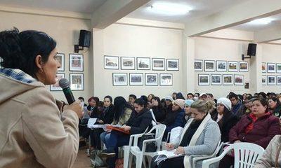 Capacitan a docentes para concursos públicos de oposición