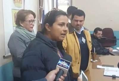 Ciudadanas indignadas encaran a pleno de concejales