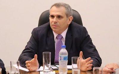 Cristian Kriskovich admite que no renunciará a instituciones por acusaciones de acoso
