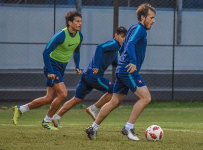 Russo baraja alternativas para el debut en el torneo Clausura
