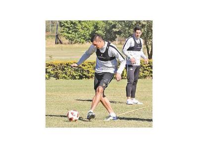 Tacuara, Piris y Silva se sumaron al plantel