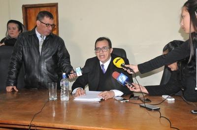 Pese a evidencias, Marino Méndez niega amistad con los Zacarías