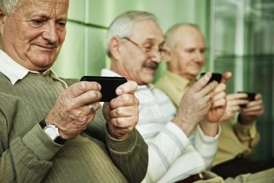 Enseñarán a los Adultos Mayores a usar sus smartphones en el CPJ