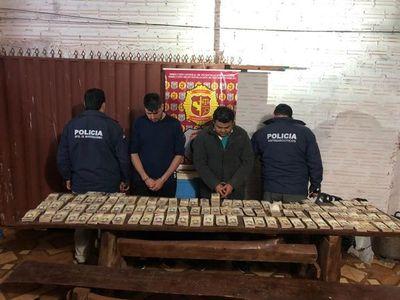 Policía Nacional incauta fajos de billetes venezolanos falsos en Minga Guazú