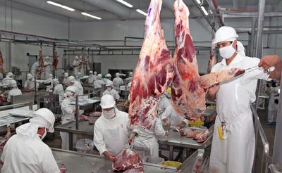 Uruguay interesado en el sector ganadero y en la industria cárnica del Paraguay