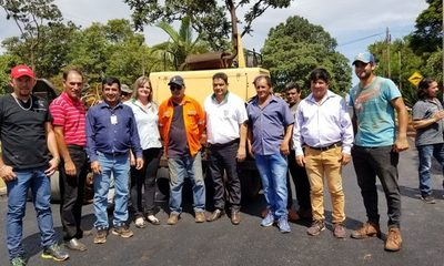 Inician trabajos de asfalto en el distrito de Dr. Raúl Peña