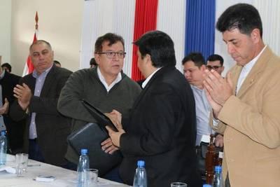 EBY invierte en Ñeembucú para educación, salud y producción agropecuaria