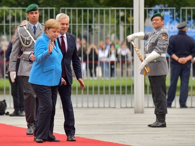 Angela Merkel vuelve a temblar y crece la preocupación