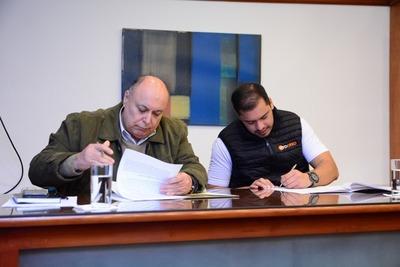 Buscan que la UNE controle manejo de Municipalidad de Ciudad del Este