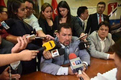 Ulises Quintana se presenta en Diputados con fuertes críticas a la Fiscalía