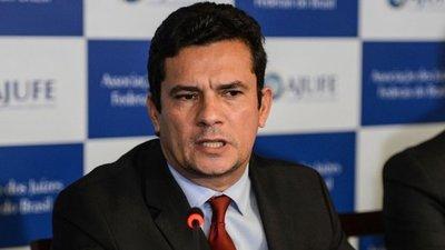 En medio de escándalo, Sergio Moro se tomó una sorpresiva licencia