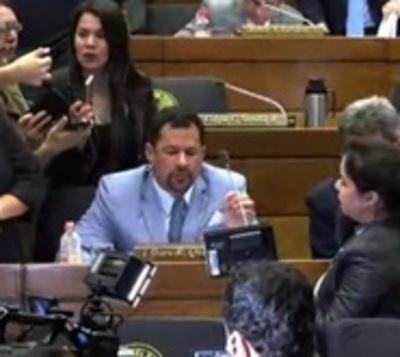 Ulises Quintana retorna a su banca en Diputados