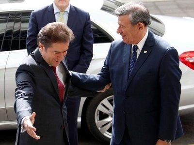 Paraguay y Uruguay reducen requisitos para pedir residencia