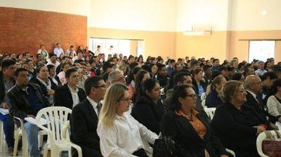 Casi 50% de docentes se aplazaron en prueba escrita de concurso del MEC
