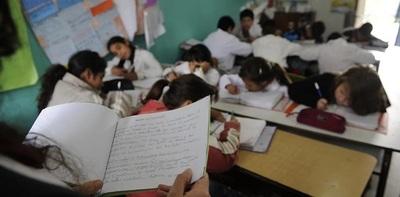 Más de 5.000 docentes se aplazan en prueba escrita del MEC