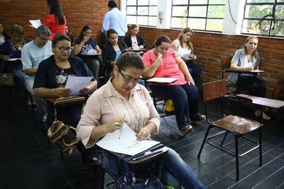 MEC: casi la mitad de docentes se aplazaron en prueba escrita