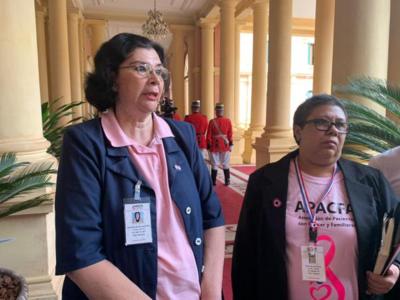Ejecutivo reglamenta ley de atención integral a las personas con cáncer