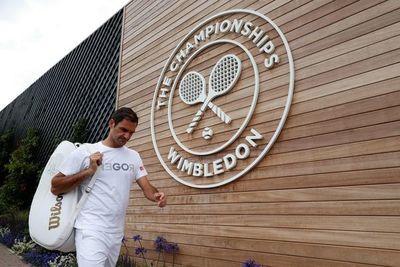Nadal practica los 'passings' y Federer se aisla