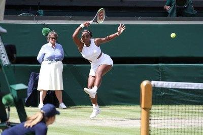 Serena Williams avanzó al juego decisivo de Wimbledon