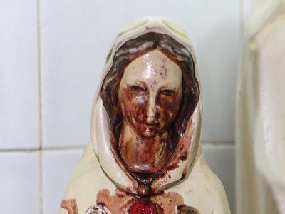 Virgen llora sangre y es milagrosa, aseguran