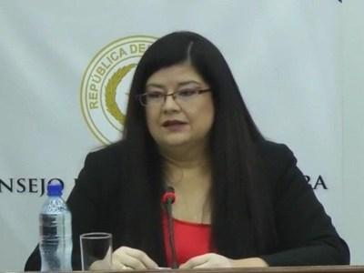 Carolina Llanes fue elegida por el Senado para ministra de la Corte
