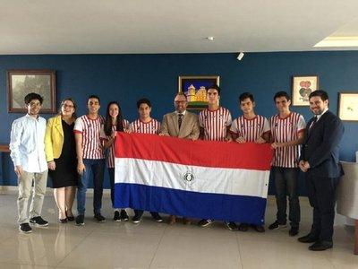 Estudiantes consiguen apoyo para Olimpiada de Matemáticas