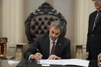 Mario presta acuerdo para designación de Llanes como nueva ministra de la CSJ