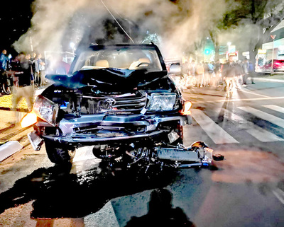 Conductor borracho atropella y mata a joven motociclista tras cruzar semáforo en luz roja