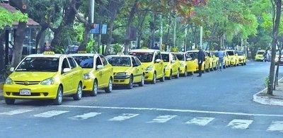 Ciudadanos pagan más de G. 2.000.000 por espacio reservado, los taxistas nada