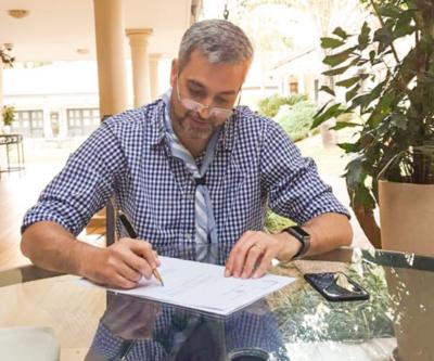 Mario Abdo asegura que 'no tiene años de amistad ni afinidad' con Carolina Llanes