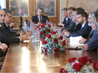 Itaipú: Jeffrey Sachs aconseja mirar el contexto regional para negociar