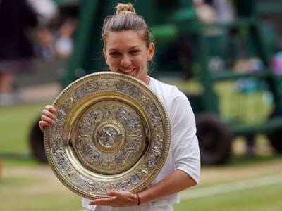Halep aplasta a Williams y conquista Wimbledon