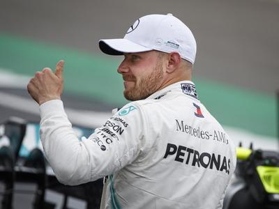 Valtteri Bottas obtiene la 'pole' en Silverstone