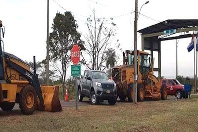 Guardias de la EBY impidieron que municipalidad repare camino