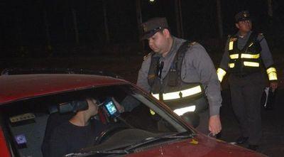 Más de 300 conductores dieron positivo al alcotest y fueron demorados