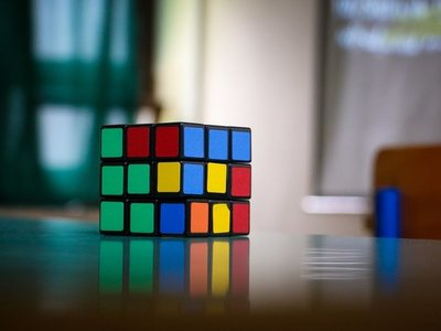Un nuevo algoritmo de Inteligencia Artificial resuelve el cubo de Rubik