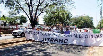 Hoy se inicia huelga general de 30 días en Clínicas