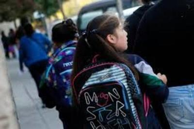 50 Escuelas sin maestros reinician clases